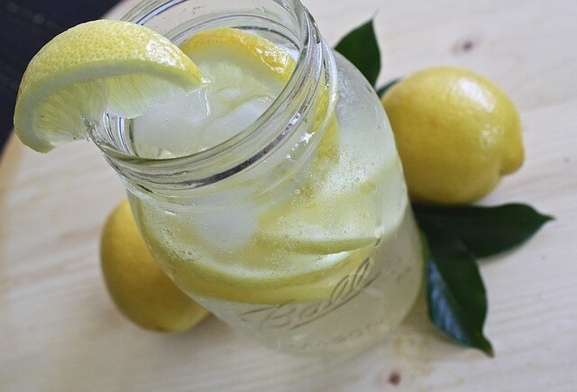lemon-water-1420277_640